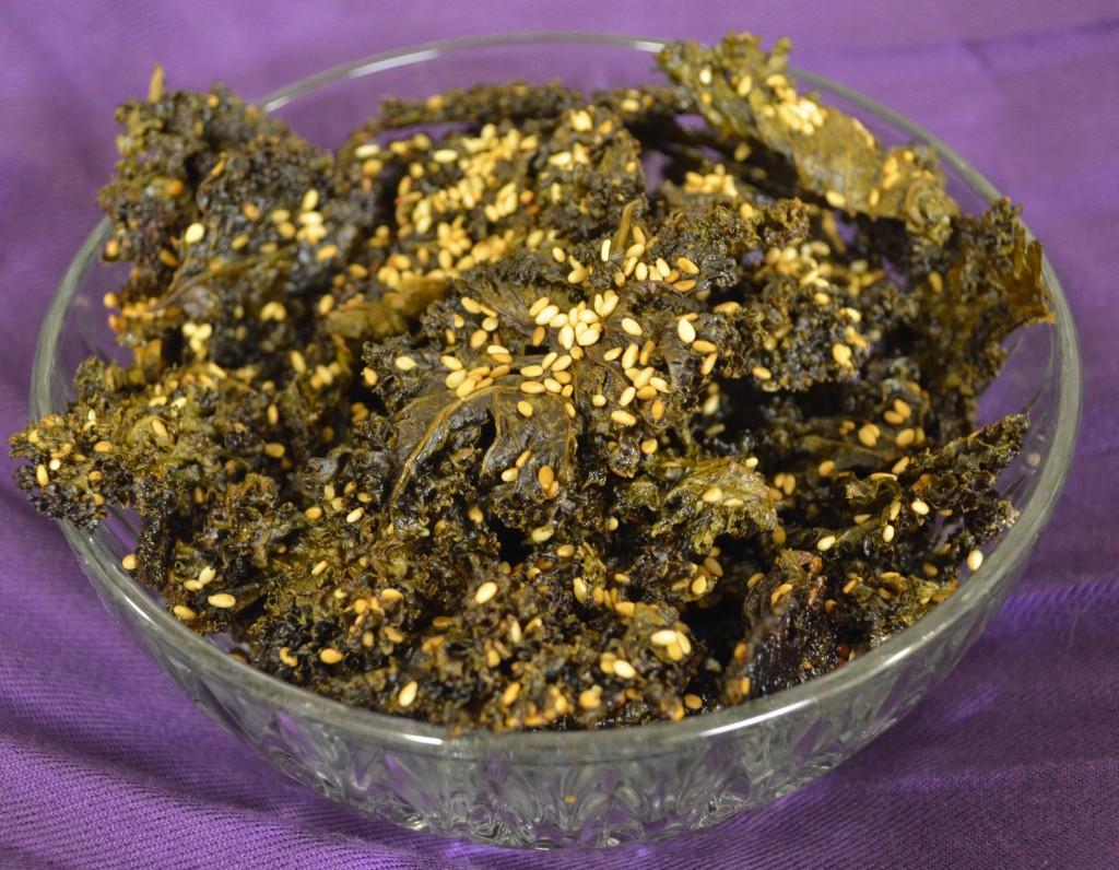 Yummy! Skinny Minnie Sesame Peanut Kale Chips. Emergency Snack Friendly!